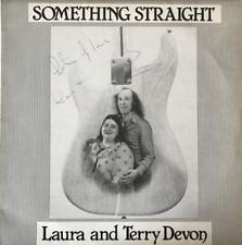Laura et Terry Devon-Quelque chose de droite (LP) (signé) (EX/VG -)