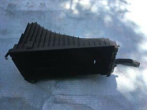 AUDI Q7 4.2TDI AIR FILTER BOX LOWER PART RIGHT SIDE OEM 7L6129857