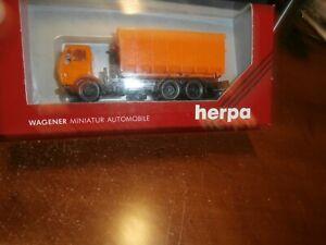 HERPA 1:87 SCALE   DUMP TRUCK--  -ITEM #806048