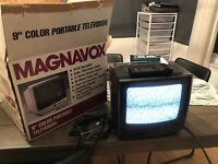 Vintage Magnavox 9 Inch TV (RD0945 C102) w/Remote and box Gaming or Security