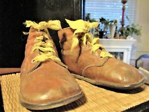VINTAGE Antique Baby Shoes Lace-up Brown
