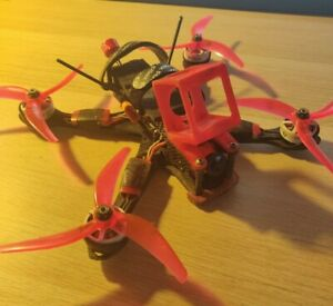 """5"""" 4S Freestyle FPV Drone with 6 batteries"""