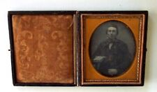ANTIQUE DAGUERREOTYPE PHOTOGRAPH OF MAN WITH BOOK SIXTH PLATE