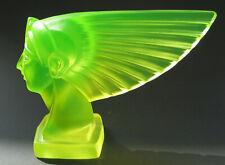 "Uranglas/ Vasline glass, Glasobjekt, Skulptur ""Kleopatra"""