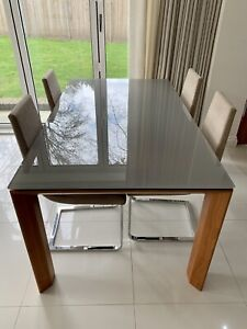Calligaris Glass Extending Dining Table and 4 Calligaris Chairs