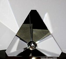 NEW in BOX STEUBEN glass TETRAHEDRON ornamental paperweight prism tetra star