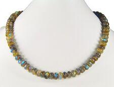 Bezaubernde Halskette aus Labradorite in Button-Form