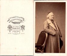Pierre Petit, Paris, Prêtre en soutane et manteau Vintage CDV albumen carte de v