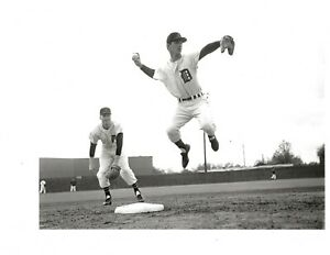 3 SPORTING NEWS PHOTOS OF BILLY MARTIN PLAYING FOR THE DETROIT TIGERS IN 1958