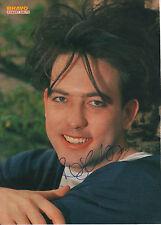 "Robert Smith ""The Cure"" Autogramm signed A4 Magazinbild"
