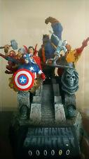 Estatua  The Infinity Gauntlet