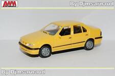 Renault 19 Chamade Phase II de 1992 Jaune AWM - SAI 2252 - Echelle 1/87