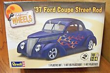 REVELL '37 FORD COUPE STREET ROD MODEL KIT 1/24 SCALE