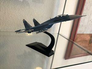 """AVIONES DE COMBATE,""""SUJOI SU-27"""" ESCALA 1/100,EN BLISTER CON SOPORTE ,NUEVO"""