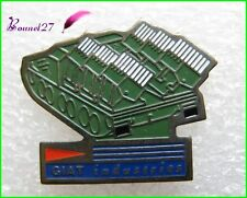 Pin's Pins badge GIAT INDUSTRIES Char Tank Vert Kaki #1929
