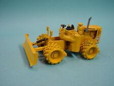 NZG 135 1:50 compactor müllverdichter Cat 825b
