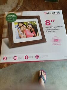 "Aluratek 8"" Distressed Wood Digital Photo Frame with Auto Slideshow 1024 x 76..."
