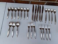 1847 ROGERS BROS. SILVERPLATE FLATWARE SET FLAIR  26 PC'S FORK SPOONS KNIFE