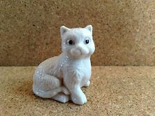 Wade Whimsie White Burslem Cat Approx 1.5 Inches High