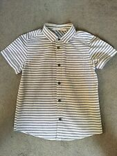 H&M GREY & WHITE STRIPED SHORT SLEEVED SHIRT IN 100% COTTON - AGE 4-5y