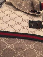 Neuf avec étiquettes GUCCI 325806 Beige Gris Laine Réversible GG Guccissima rouge vert à rayures écharpe