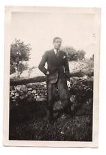 Portrait homme costume rayé - photo ancienne amateur an. 1930