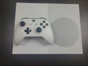 Xbox One S - 500GB, White