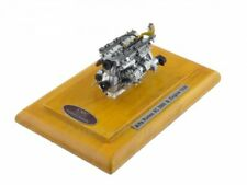 CMC M-131 Alfa Romeo 8c 2900B´38 Motor mit Vitrine 1:18 NEU+OVP