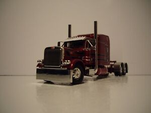 DCP FIRST GEAR 1/64 MAROON PETERBILT 379 WITH 63'' MID-ROOF SLEEPER