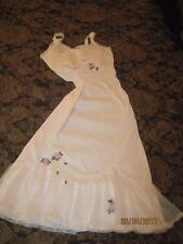 "1950-60's PINK NYLON FULL SLIP 7to9"" RUFFLE BOTTOM EMBROIDERED FLOWER APPLIQUE"