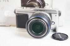 Olympus PEN E-P 1 con M ZUIKO Digital 14-42 mm 3,5 - 5,6 ed