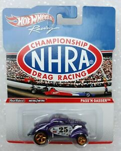 Hot Wheels Racing NHRA Championship Drag Racing Pass 'n' Gasser. Real Riders