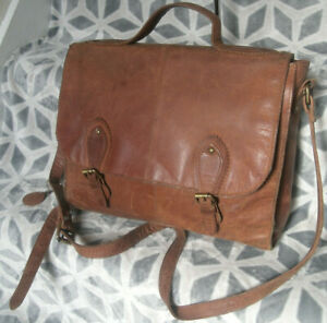 Vintage Gigi Large Tan Tooled Leather Satchel Cross Body Briefcase Bag Boho