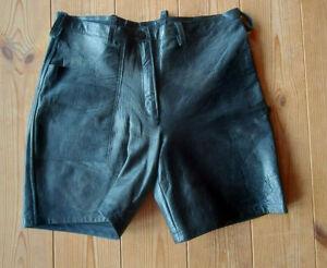 Schwarze Echt Leder Bermuda, Ledershorts  in Größe M