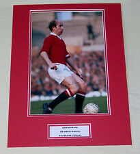 BOBBY CHARLTON MANCHESTER UNITED HAND SIGNED AUTOGRAPH PHOTO MOUNT