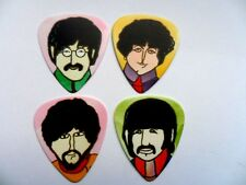Nouvelle série de quatre Beatles Artwork Guitare .71 mm Plectrum // Picks double face