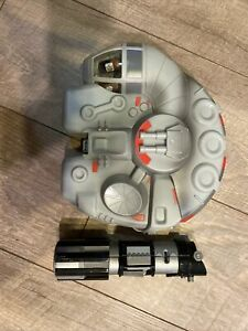 Star Wars lot of 9 Mighty Beanz In Millenium Falcon Case & Light Saber Flip Toy