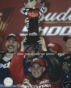 DENNY HAMLIN 2006 NASCAR NEXTEL CUP DAYTONA BUD SHOOTOUT WIN 8 X 10 PHOTO #02