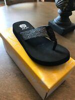4d0ef01076f2 Yellow Box Amina Black Flip Flop NIB Choose Size