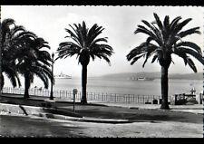 SAINT-RAPHAEL (83) ESCADRE de BATEAUX de GUERRE vue du Bd FELIX MARTIN en 1955