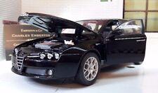 Modellini statici di auto, furgoni e camion neri pressofuso per Alfa Romeo