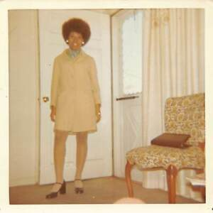 GORGEOUS FUN STYLISH WOMAN PERSONAL NOTE BLACK AFRICAN AMERICAN VTG PHOTO 534