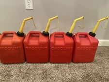 1 Vintage Chilton 2 12 Gallon Vented Pre Ban Plastic Gas Can 25 P250