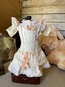 ANTIQUE dress for FRENCH doll 8-9 Jumeau Steiner Bru antique lace 14 Inch