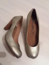 Ladies dark gold  leather court shoes size 7 by Sixy seven New