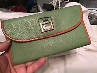 Dooney Bourke GREEN Dillen Pebbled Vachetta Leather Envelope Continental Wallet