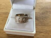 9ct White Gold band ring set with 3 Diamonds size N