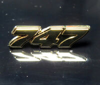 Pin Boeing 747 Logo Numbers 25mm Pin Gold for Pilots Crew B747 747-400 747-8