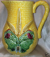 BORDALLO PINHEIRO BASKETWEAVE YELLOW PITCHER 60 OZ WHEAT BUTTERFLY FROG PORTUGAL