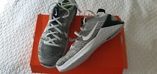 Nike womens shoes size 9